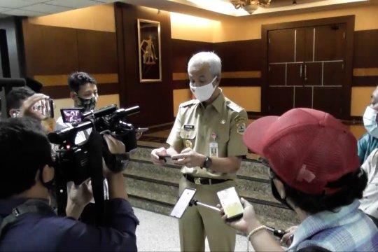 Ganjar Pranowo imbau warga Jateng di DKI untuk patuhi PSBB