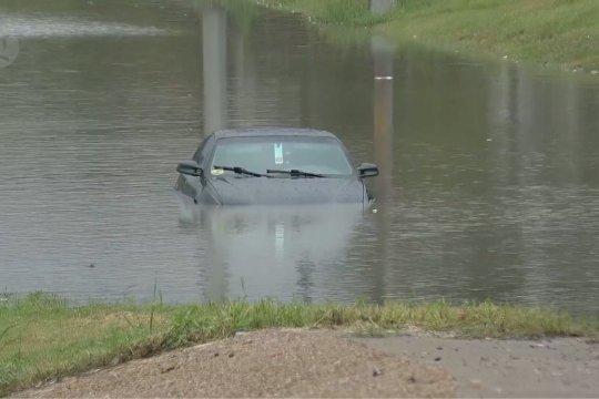 Badai Beta picu hujan deras dan banjir di Texas, AS