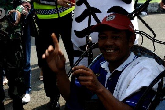 Polres Metro Tangerang bagikan 10 ribu masker
