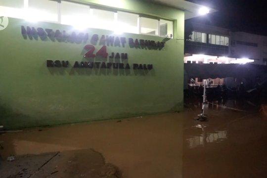 Banjir rendam RSUD Anutapura Palu, termasuk ruang pasien COVID-19