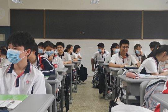 Sekitar 1,4 juta siswa di Wuhan kembali ke sekolah