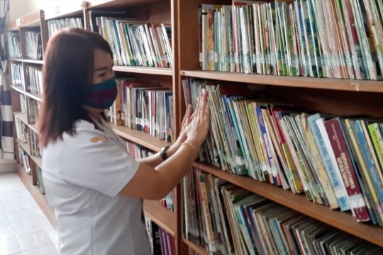 Gunung Mas terima hibah 1.000 eksemplar buku dari Perpusnas RI