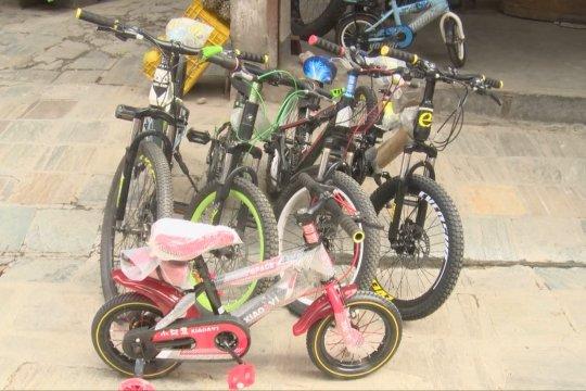 Pandemi COVID-19 picu lonjakan penjualan sepeda di Kathmandu