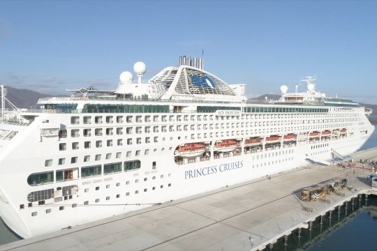 Pelindo III targetkan 50 kunjungan kapal pesiar di pelabuhan Gili Mas