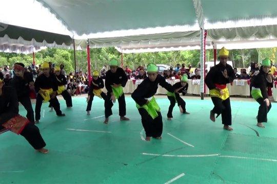 Ratusan pesilat meriahkan Festival Silat Budaya Kuntau
