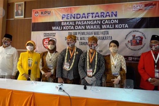 Pasangan Gibran-Teguh mendaftar ke KPU Surakarta