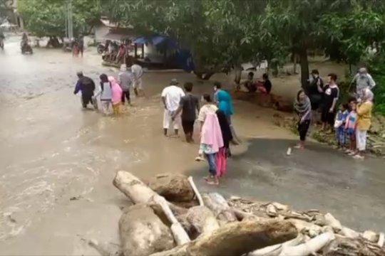 Puluhan rumah di Kabupaten Sigi rusak diterjang banjir bandang
