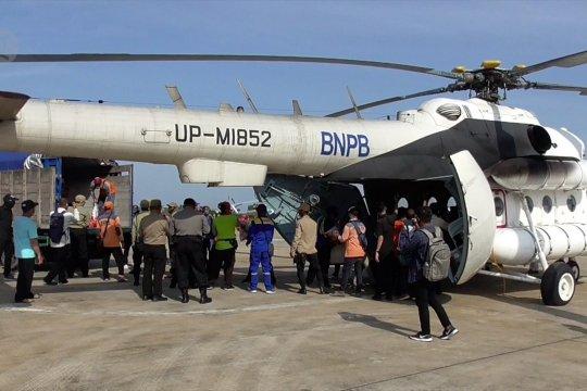 Tiga helikopter BNPB distribusikan bantuan bagi korban banjirKalteng