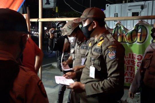 Jam Malam, Satpol PP Kota Depok beri teguran tertulis bagi pelanggar