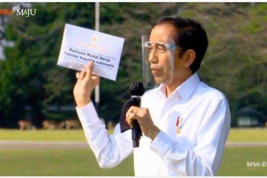 Presiden Jokowi berikan bantuan modal kerja kepada 63 pedagang di Bogor