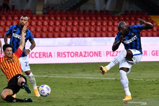 Inter kembali lakoni drama tujuh gol saat menang 5-2 atas Benevento