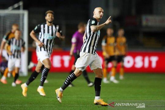Gol telat dan adu penalti selamatkan wajah Newcastle di Piala Liga