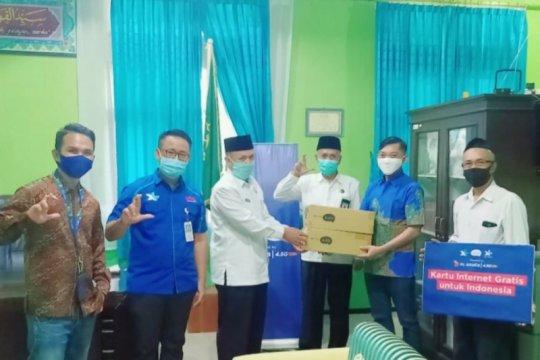 XL salurkan 500.000 paket internet gratis pelajar madrasah di Jabar