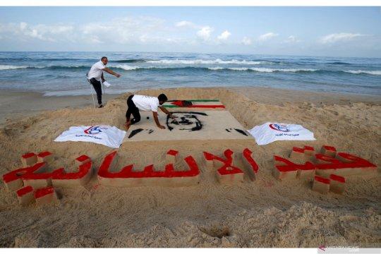 Seniman Palestina buat karya seni pasir untuk mendiang Emir Kuwait