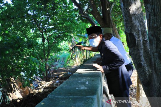 Retakan di tanggul Kali Angke sebabkan air meluber jika debit tinggi