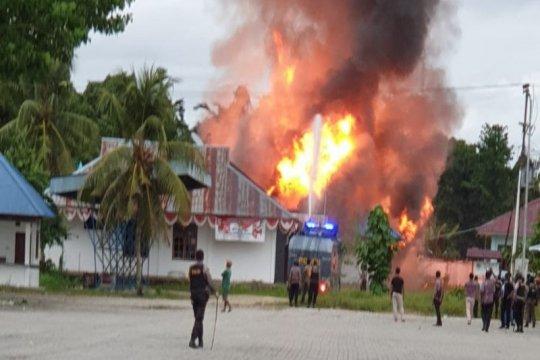 Kapolres: tembakan peringatan untuk buka blokade di jalan Trans Papua