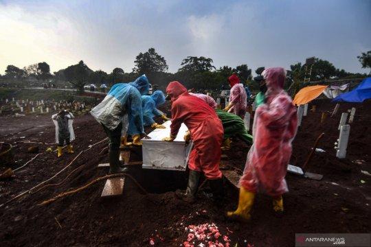 Pemakaman jenazah secara COVID-19 di TPU Pondok Ranggon berkurang