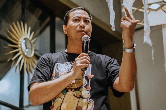Cerita WFH Pandji Pragiwaksono, diganggu odong-odong & tahu bulat