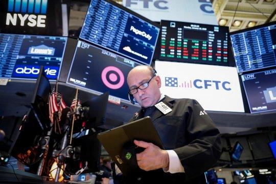 Wall Street dibuka lebih tinggi, Indeks Dow Jones naik 177,35 poin