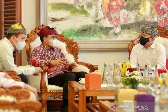 Menkop: Batik Banyuwangi bisa perkuat pariwisata
