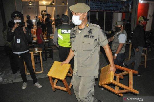 Razia jam malam di Bekasi