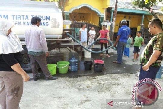 BPBD Karawang distribusikan bantuan air bersih ke daerah kekeringan