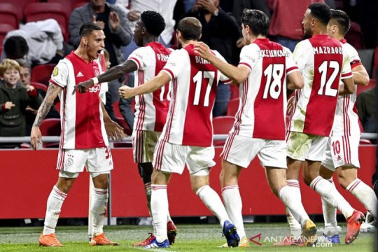 Ajax pesta gol 5-1 lawan Heerenveen sekaligus kudeta puncak