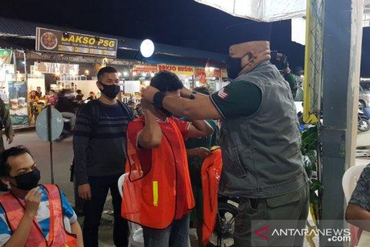 Pelanggar protokol kesehatan di Batam dikenakan rompi oranye