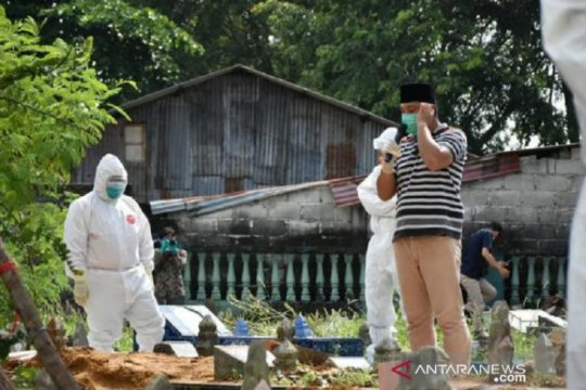 Pemakaman Bupati Bangka Tengah terapkan protokol COVID-19