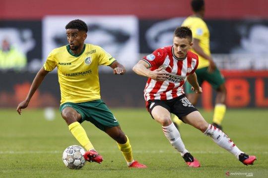 PSV kalahkan Fortuna demi tempel ketat Feyenoord di puncak