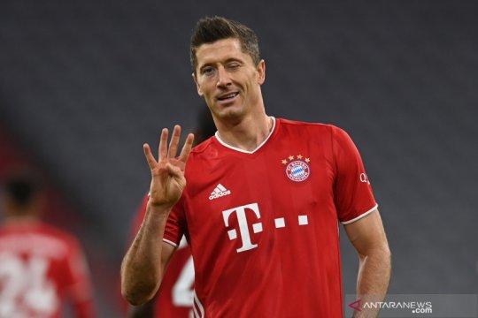 Lewandowski ukir caturgol saat Bayern menang 4-3 atas Hertha