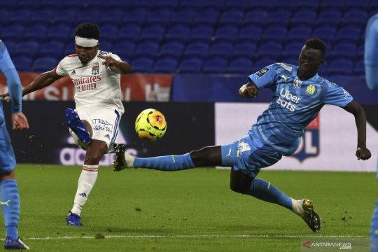 Lyon diimbangi 10 pemain Marseille 1-1 di kandang