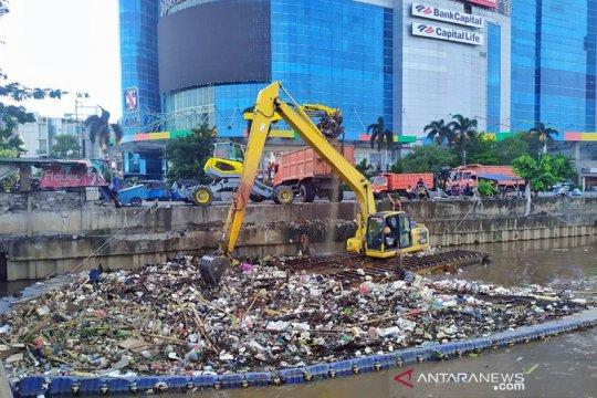 Curah hujan tinggi, sampah BKB meningkat 15 kali lipat