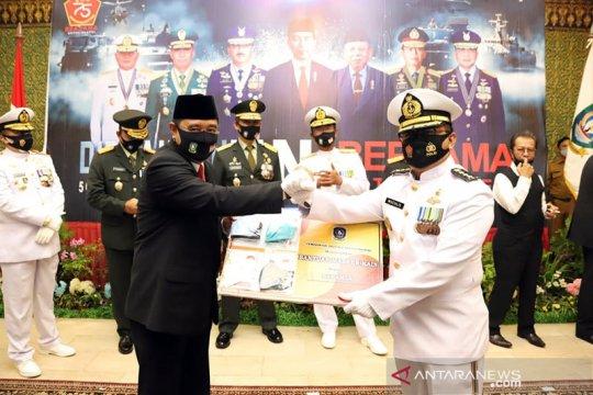 HUT ke-75 TNI, Pemprov Kepri bagikan 164 ribu masker