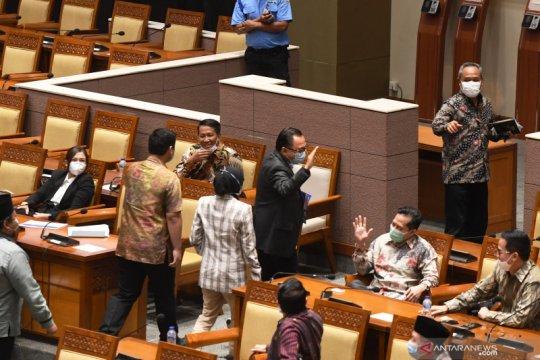 Sekretaris jenderal DPR jelaskan soal mikrofon mati saat paripurna