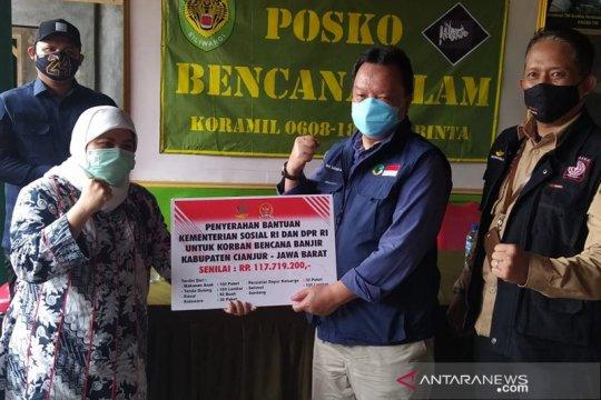 DPR RI dan Kemensos serahkan bantuan untuk korban bencana alam