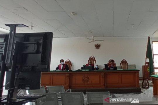 Seorang terdakwa Sunda Empire minta dibebaskan dari tuntutan jaksa