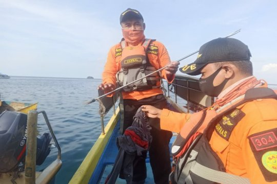Panah-celana nelayan terseret arus di Bombana-Sultra ditemukan tim SAR