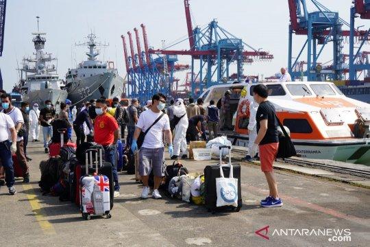Kapal MV Costa Mediterania repatriasi 99 ABK