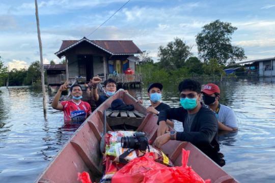 Bea Cukai-kaum milenial bantu korban banjir di perbatasan RI-Malaysia