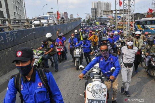 DPR bantah kabar hoaks terkait hak buruh di RUU Ciptaker