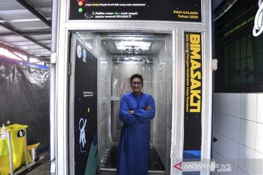 Bilik mandi untuk tenaga medis COVID-19