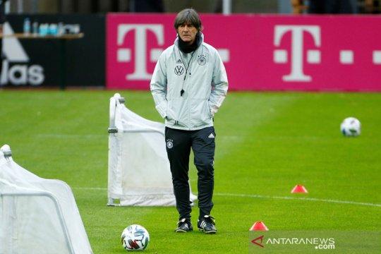 Joachim Loew serukan pentingnya rotasi musim ini