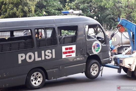Polisi  identifikasi pelaku perusakan mobil polisi di Pejompongan