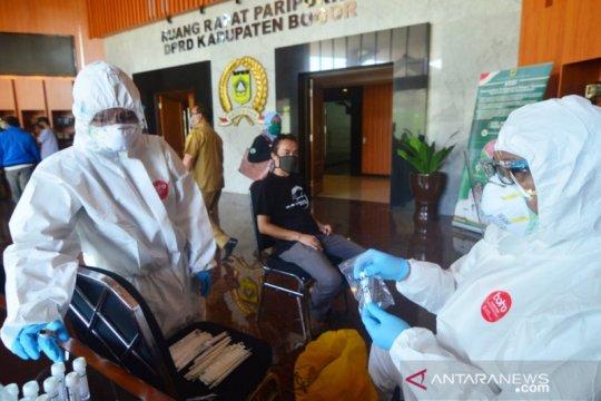 Hasil tes usap puluhan wartawan Bogor negatif COVID-19, sebut Dinkes