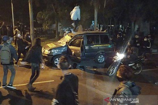 Polda Jabar selidiki perusakan mobil polisi aksi rusuh di Bandung