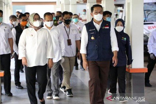 Ridwan Kamil beri semangat tenaga kesehatan di RSUD Cibinong