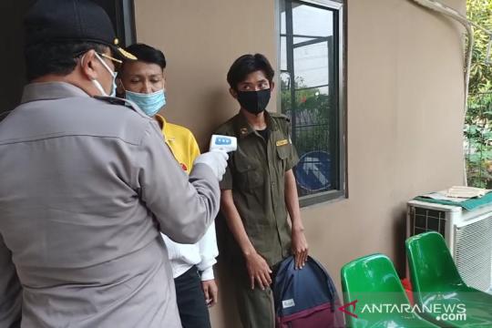 Polisi temukan pendemo menyamar jadi Satpol PP di Cengkareng