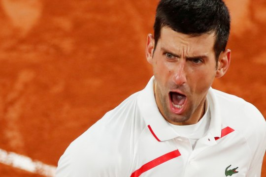 Djokovic ke semi final French Open meski mengawali secara buruk