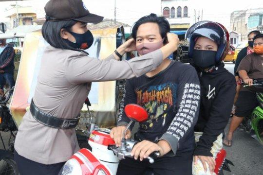 Polda Sumut turunkan ratusan Polwan amankan aksi buruh di Medan